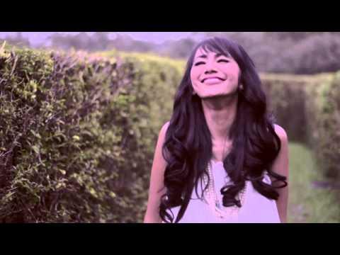 Nina Tamam Berita, Foto, Video, Lirik Lagu, Profil & Bio