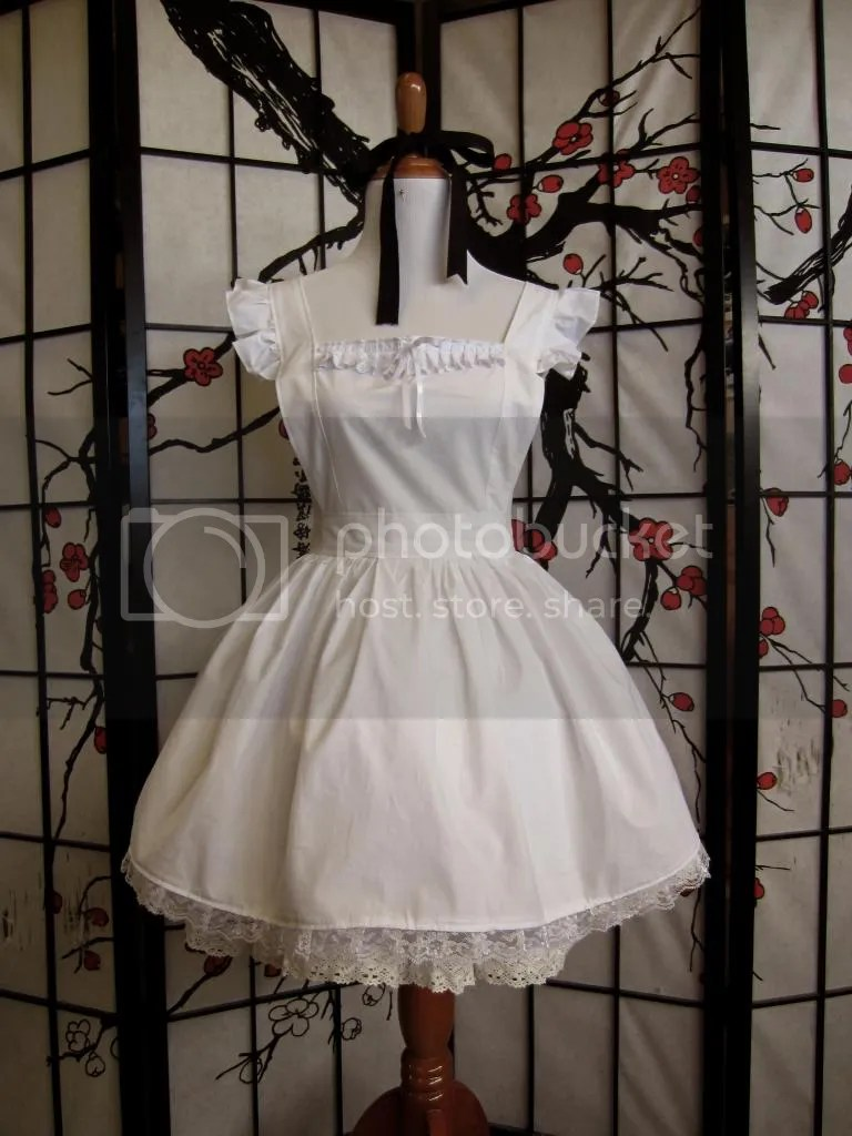 https://i0.wp.com/i41.photobucket.com/albums/e299/lunarcrystal07/Lolita%20Sewing/IWApronfront.jpg