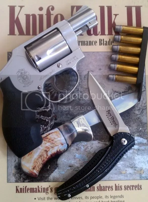 The Ken Onion Ripple, along with the Author's S&W M642, another essential part of his EDC routine