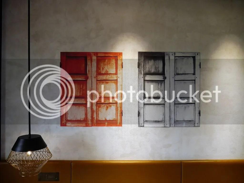 wall @ hotel jen tanglin