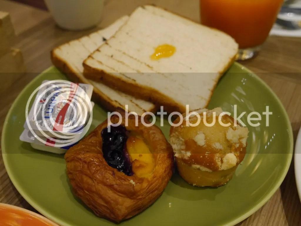 J65 Hotel Jen Tanglin breakfast plate