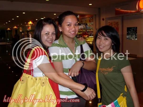 Cornelia, Girllyen, Sharon