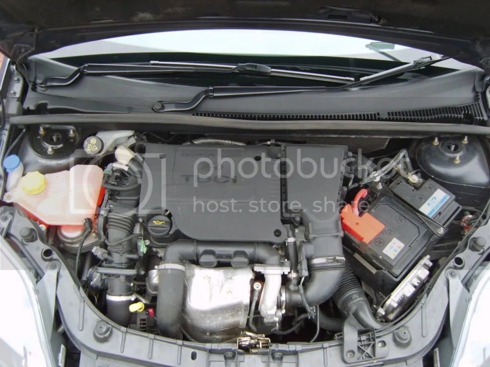 medium resolution of even better aswel i ve got a pic of my engine bay so you