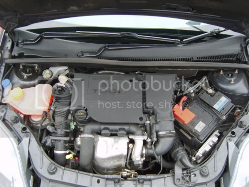 small resolution of even better aswel i ve got a pic of my engine bay so you