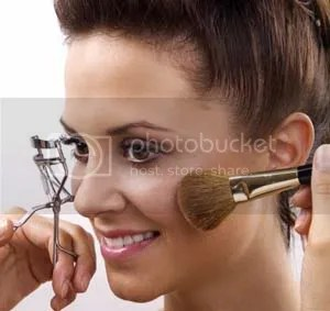 makeup1 10 tingkah payudara yang bikin deg degan