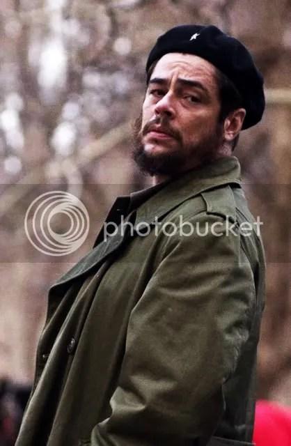 Benicio del Toro as Ernesto Che Guevara
