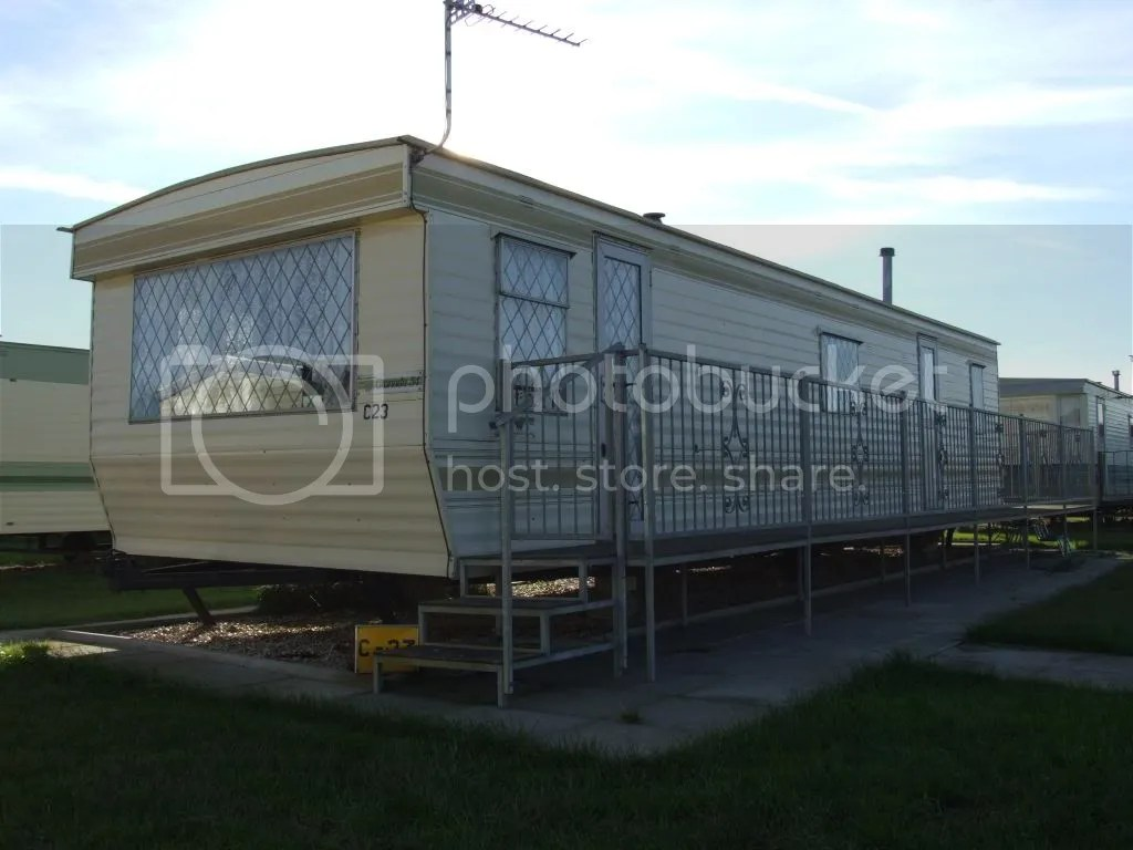skegness photo: Skegness Caravan Outside 2 Veranda1.jpg