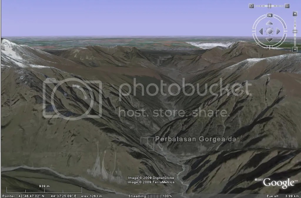 https://i0.wp.com/i464.photobucket.com/albums/rr8/mbahjogo/Zulkarnaen-Tembok%20besi/Gunung-Tembok-Besi-02.jpg