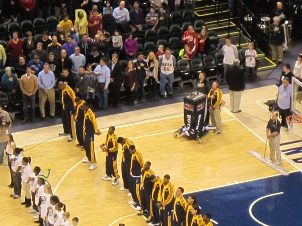 Star-Spangled Banner, Bankers Life Fieldhouse, Indianapolis, 12/13/2013