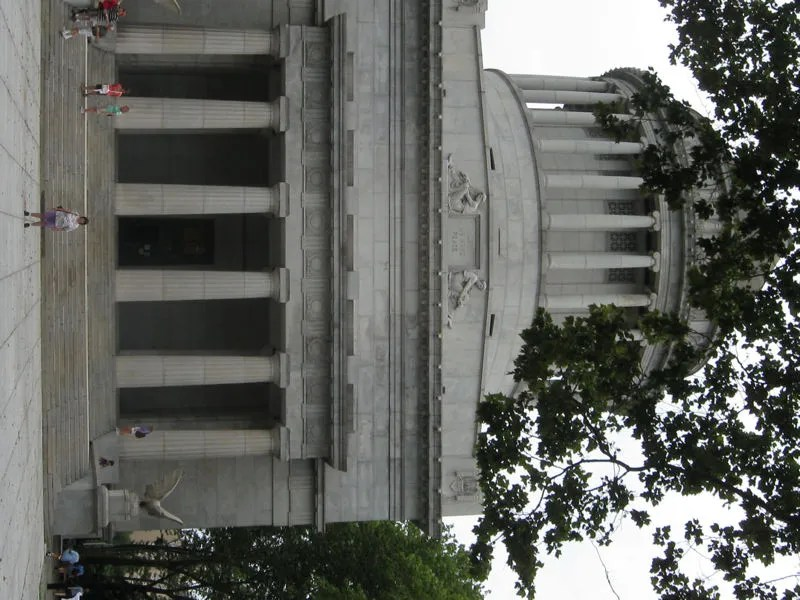 Grant's Tomb: Conveniently on the Way to Harlem
