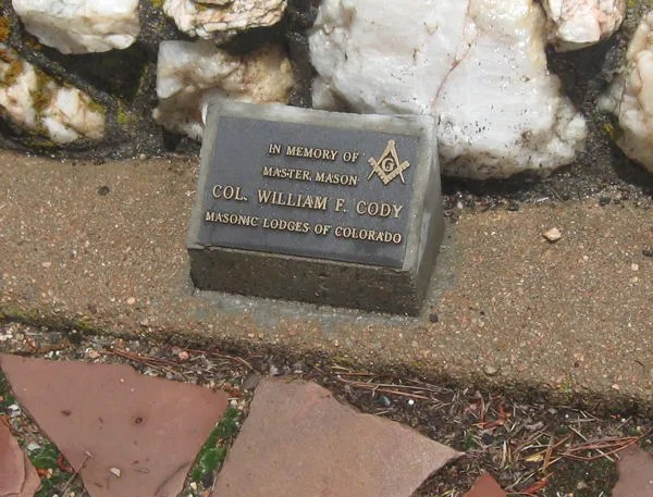 Masonic Lodge of Colorado pays respects.