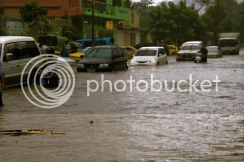 Dili flood cars