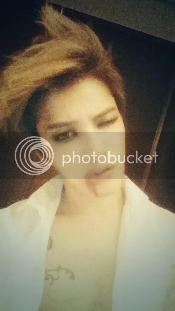 photo B1ViB5kCAAAa1bA_zpsf8d48e75.jpg