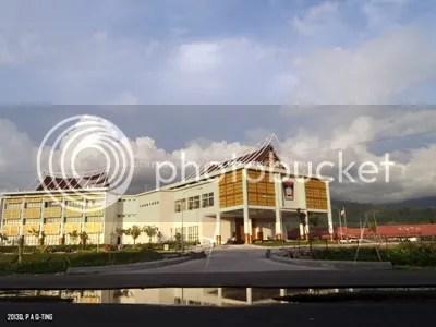 Balaikota Padang yang baru diresmikan pada tahun 2013 ini berada di Pusat Banjirnya Kota Padang yang telah merubah Kawasa Terminal Regional menjadi Pusat Pemerintahan
