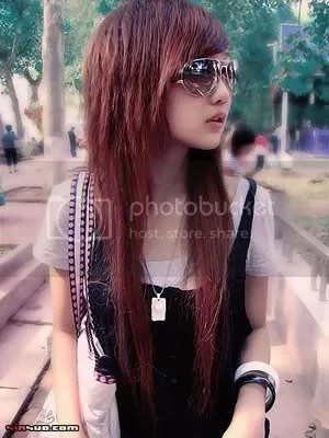 girls long red hairstyle
