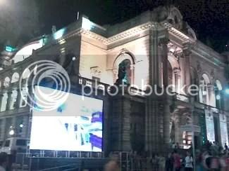 População aproveita madrugada paulistana para conferir atrações culturais. Fotógrafa: Roberta Torres.