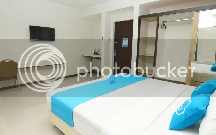 Kamar Hotel Airy Citraland International Surabaya
