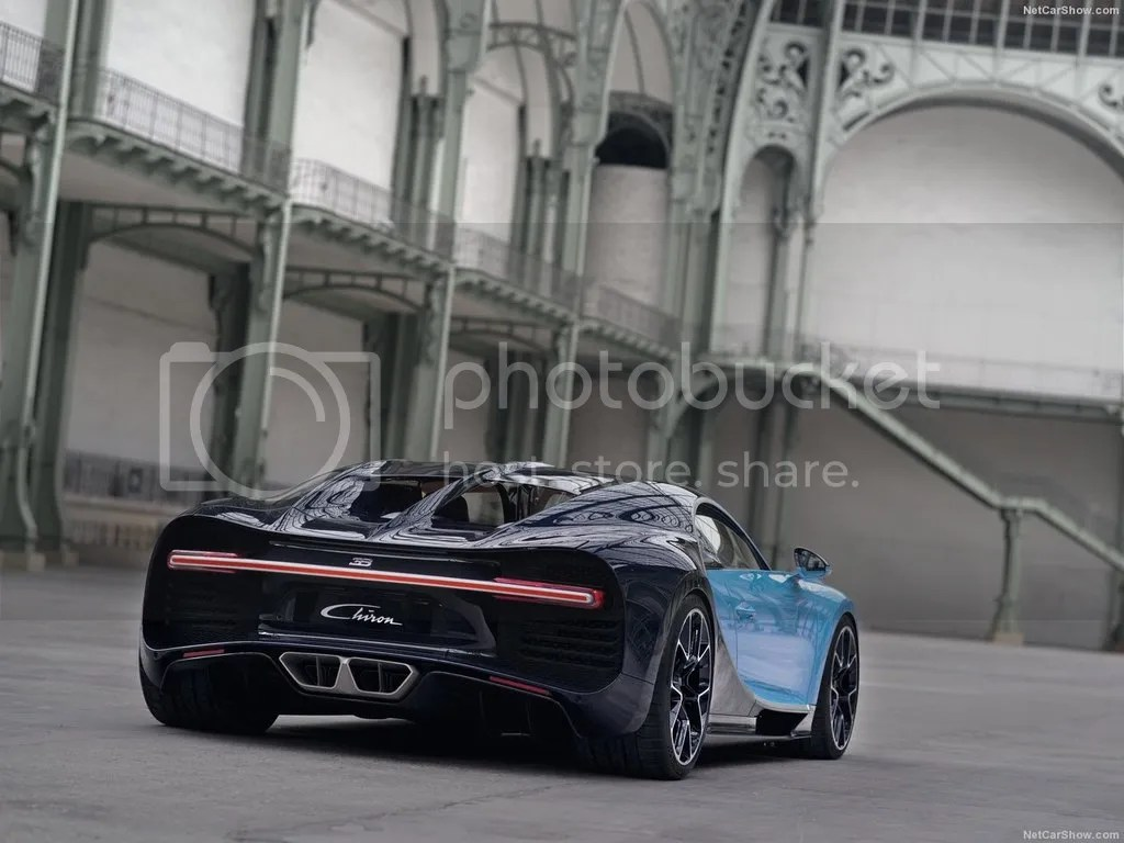 photo Bugatti-Chiron_2017_1280x960_wallpaper_18.jpg