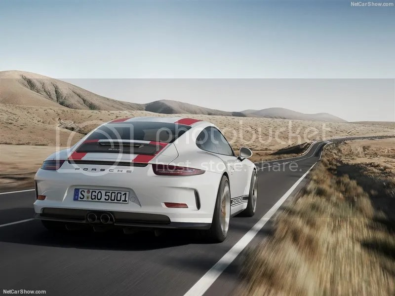 photo Porsche-911_R_2017_800x600_wallpaper_08.jpg