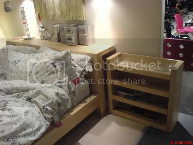 Bed with drawer 2