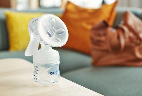 PHILIPS Avent Manual Breast Pump | Walmart Canada