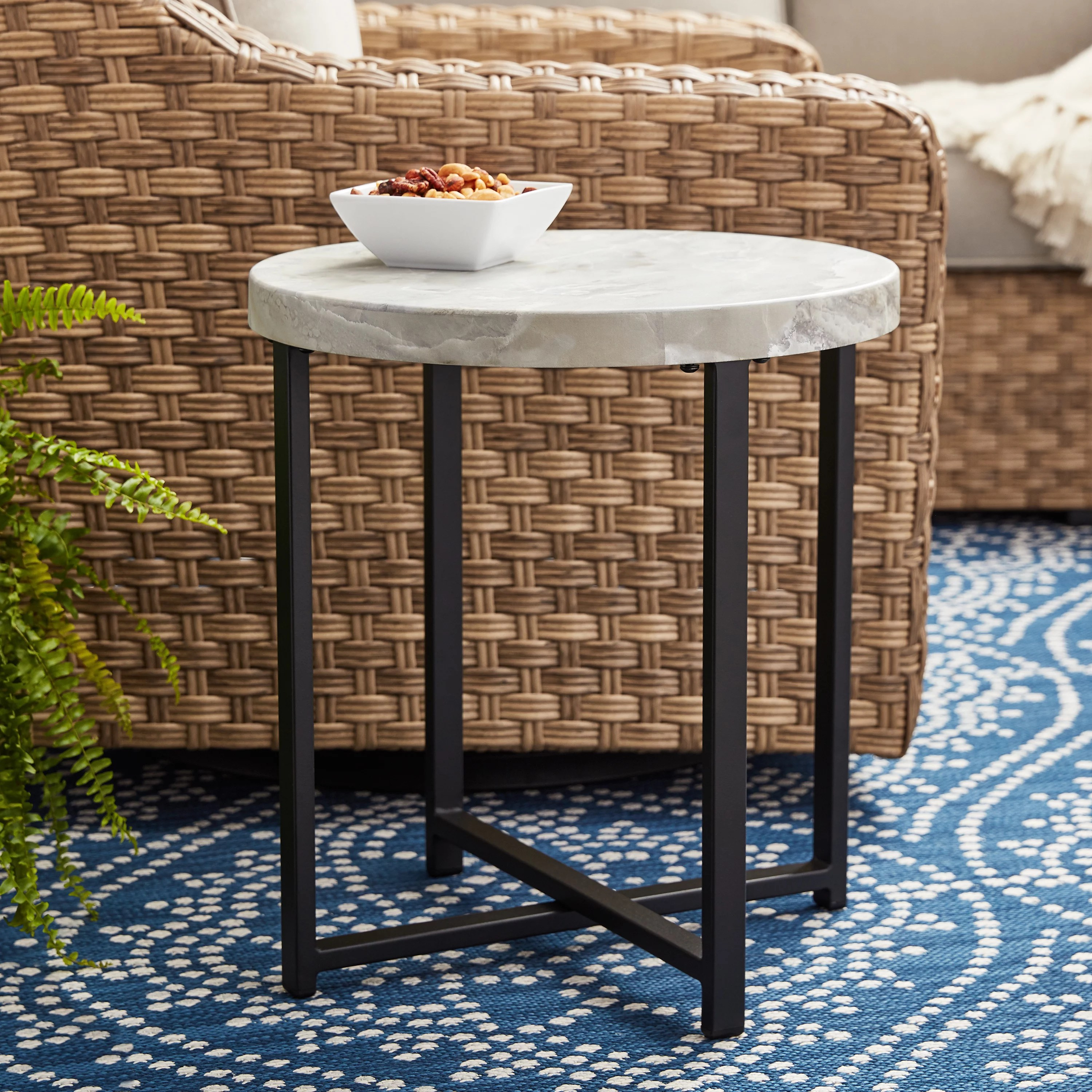 outdoor side accent tables black