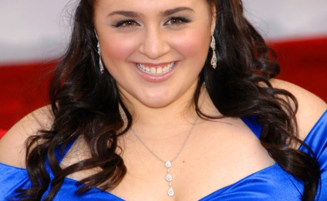 Nikki Blonsky At Arrivals For Arrivals 44th Annual