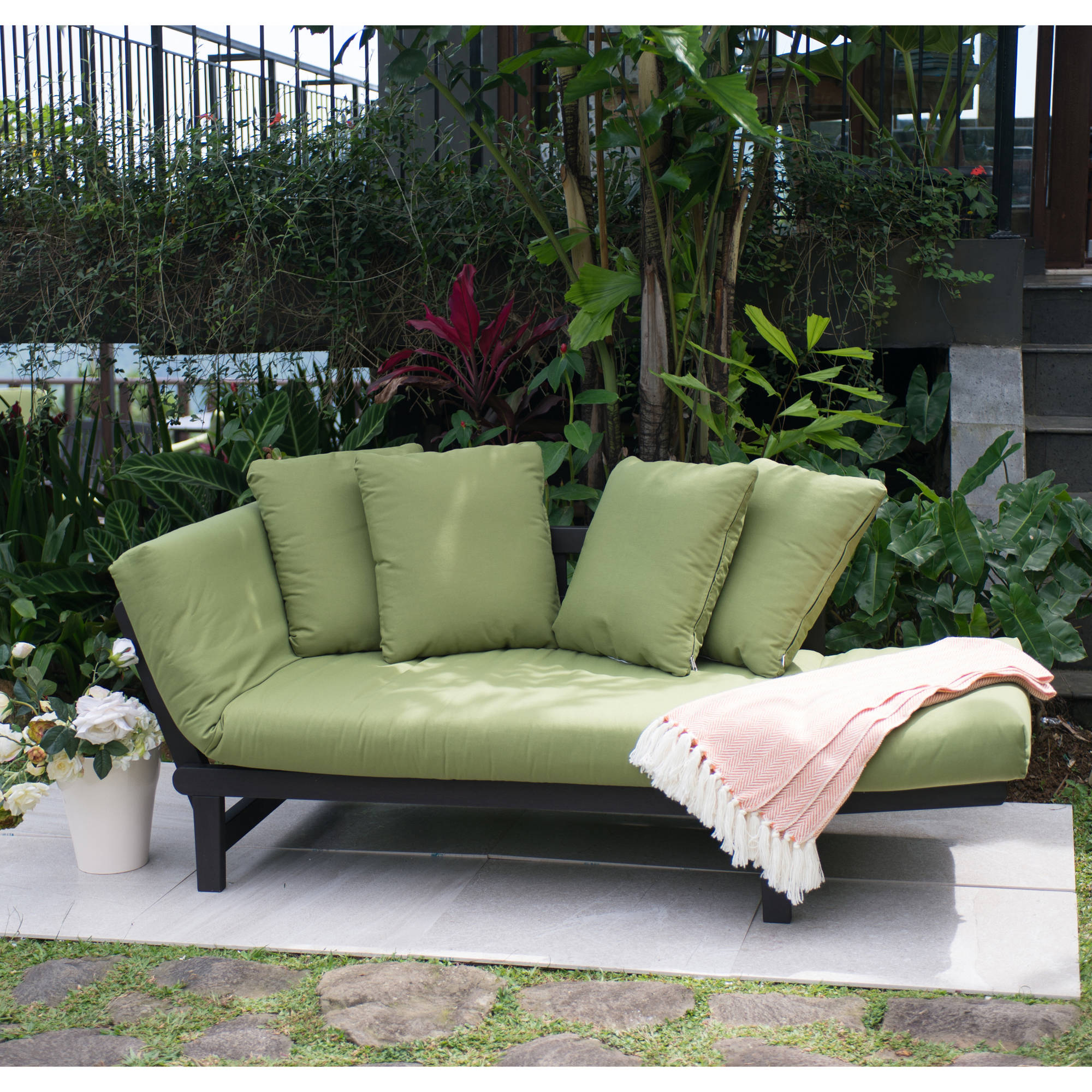 sofa in walmart milano rattan set better homes gardens delahey outdoor daybed with cushions green