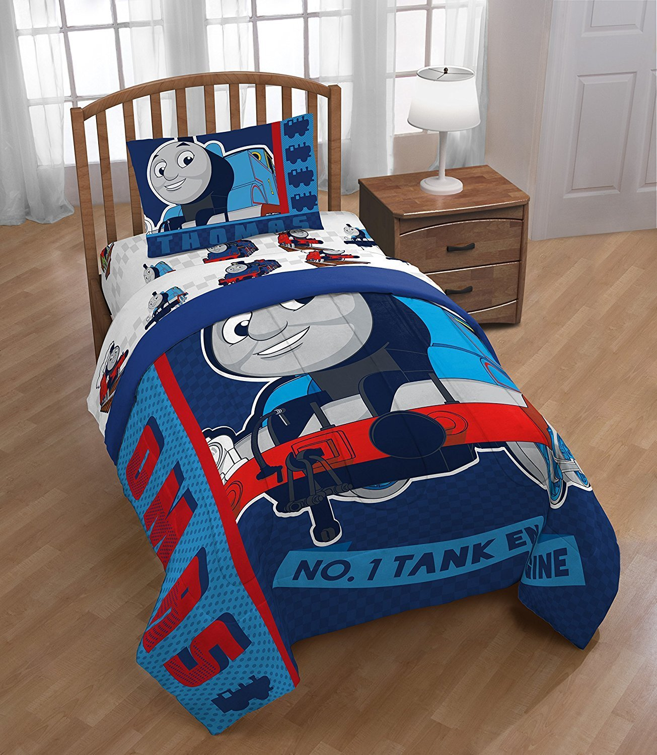 Thomas & Friends Twin Comforter And Sheet Set With Throw