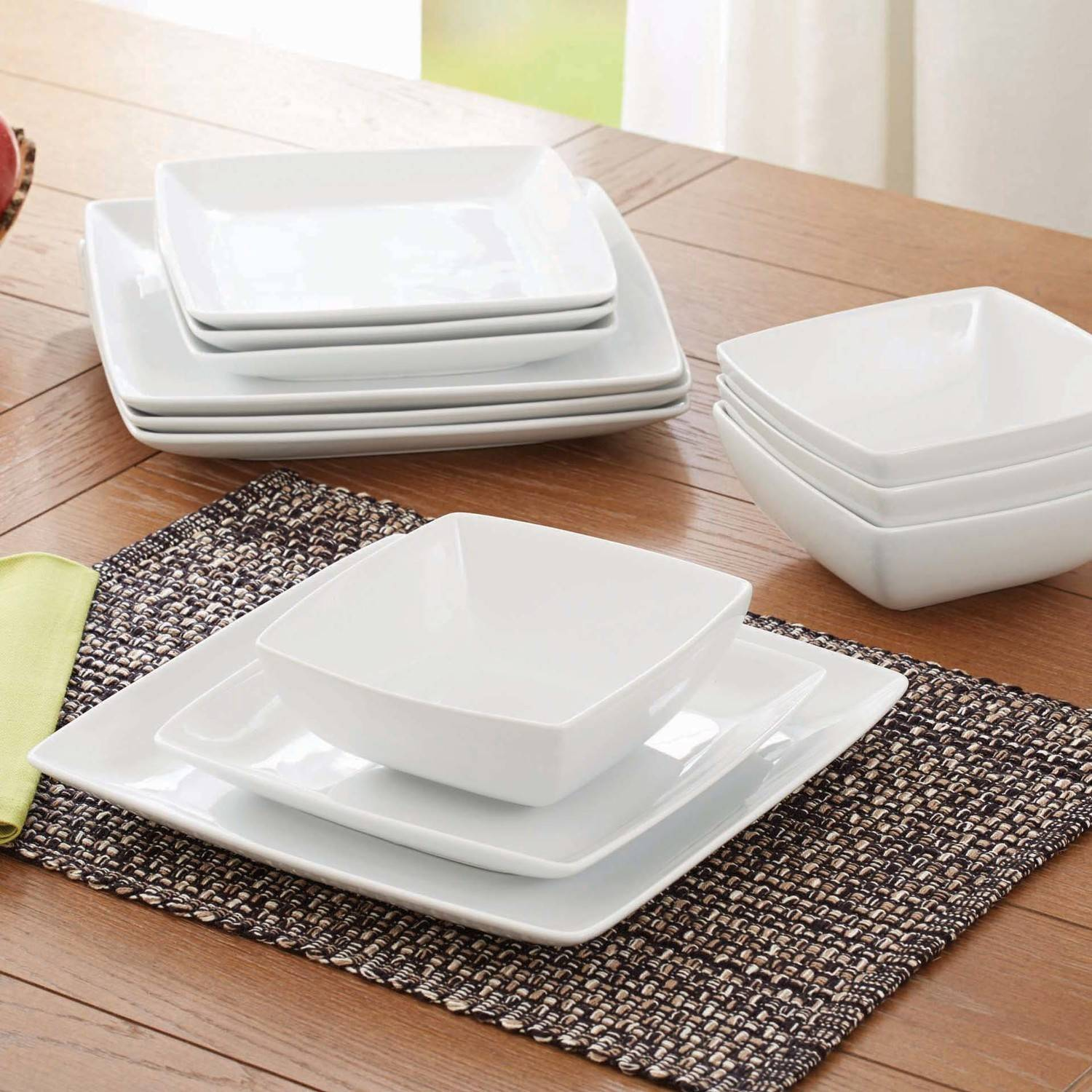 Better Homes and Gardens Porcelain Coupe Square 12