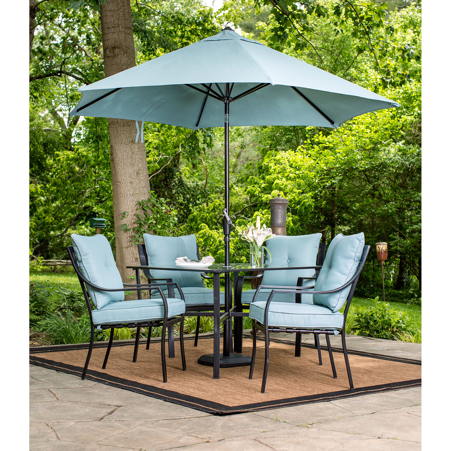 hanover lavallette 5 piece outdoor dining set and table umbrella with stand