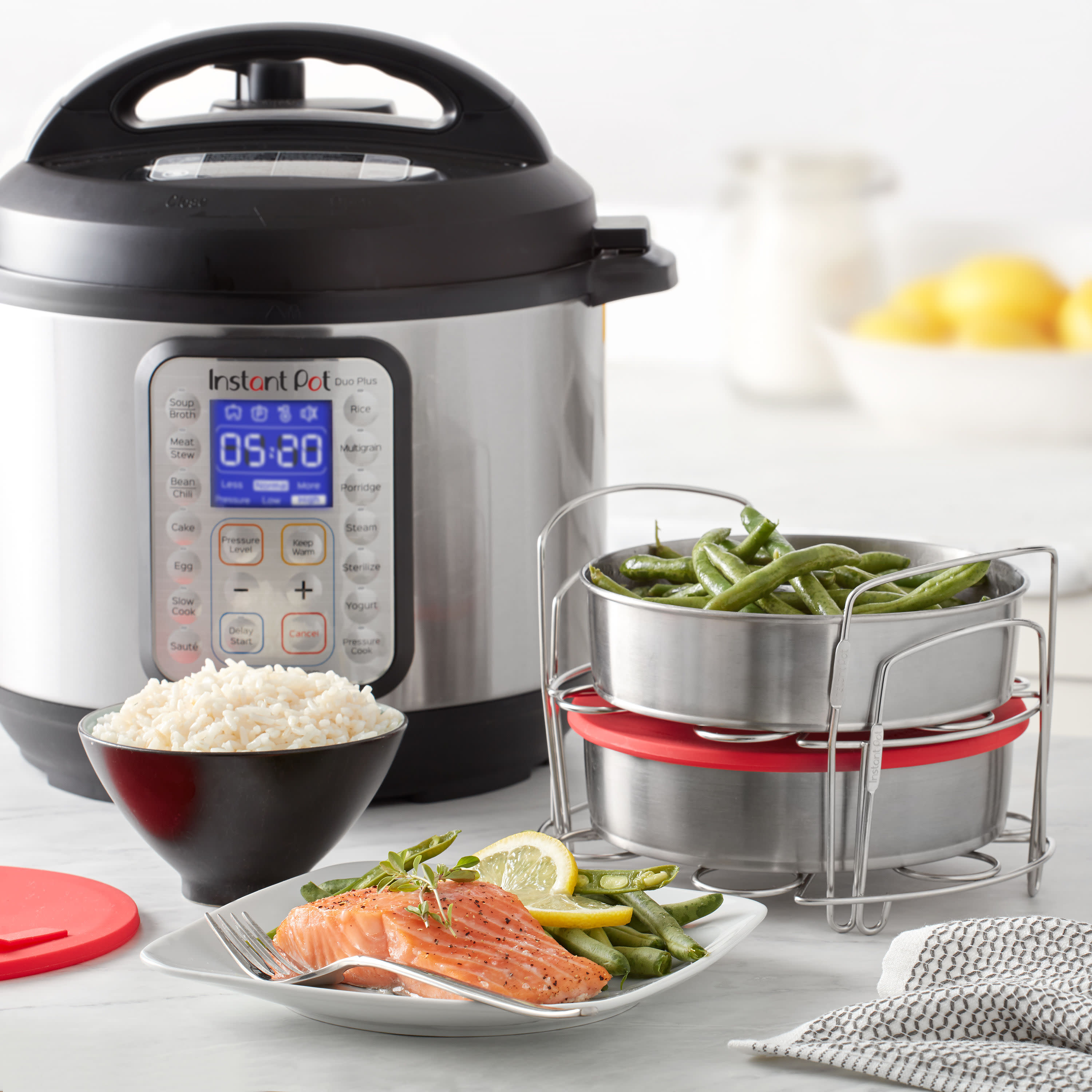 instant pot official 8 piece cook bake set 2 pans 2 wire racks 2 red silicone lids 1 removable divider and removable base