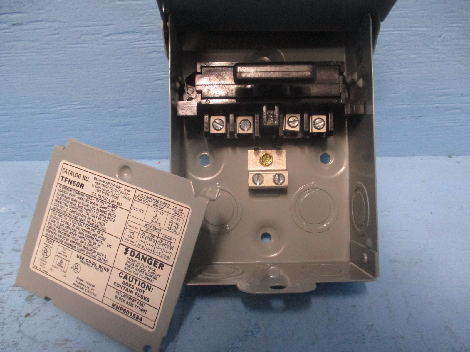 hight resolution of basic switches new ge tfn60r 60a 240v 3r non fused 60 amp ac disconnect new box