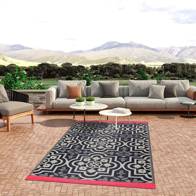 lightweight indoor outdoor reversible plastic area rug 5x7 feet new york blue white