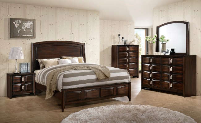 Ryzan 4 Piece Queen Size Bedroom Set In Deep Rustic Wood