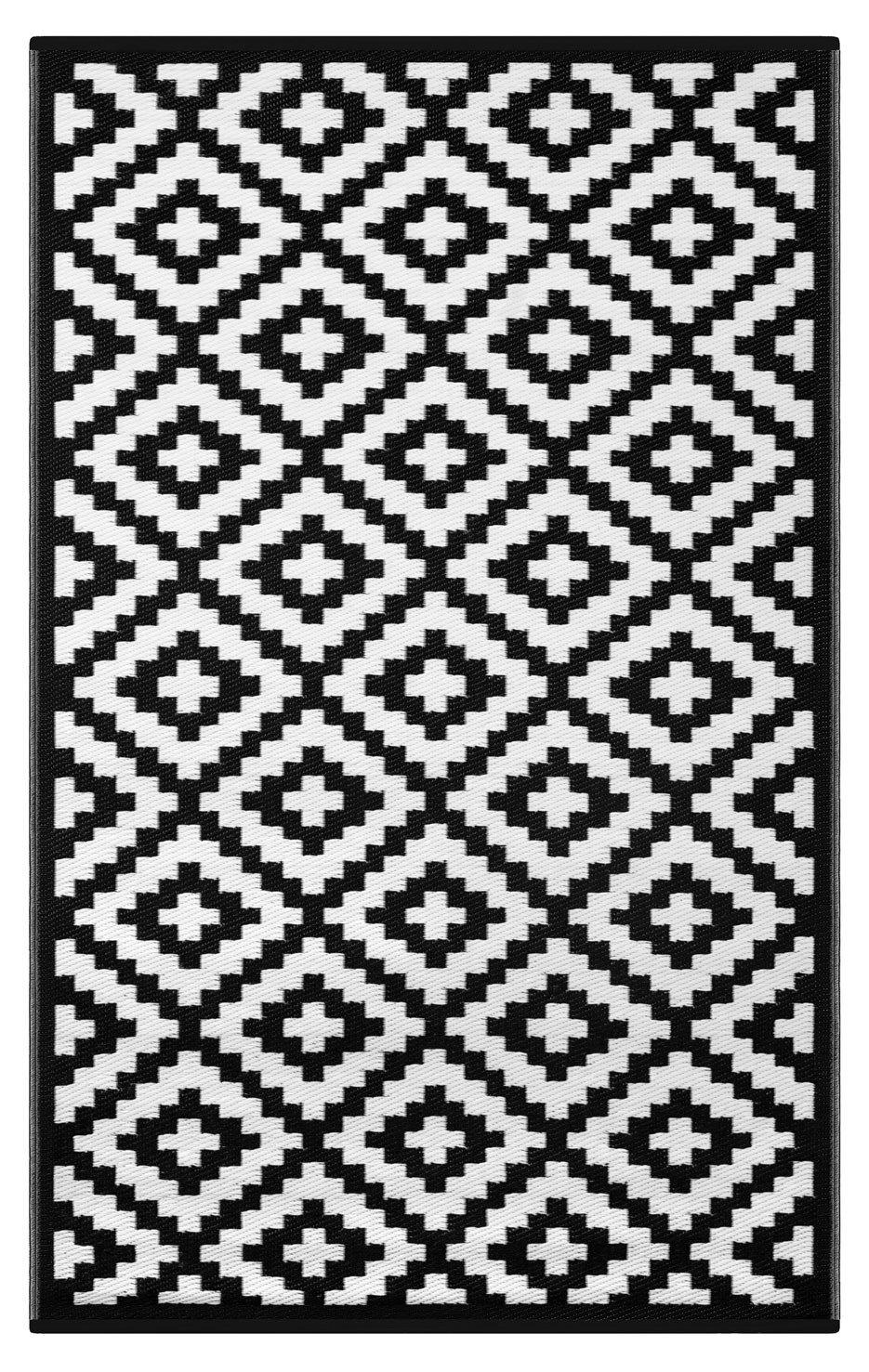 lightweight indoor outdoor reversible plastic rug nirvana black white 4x6 ft
