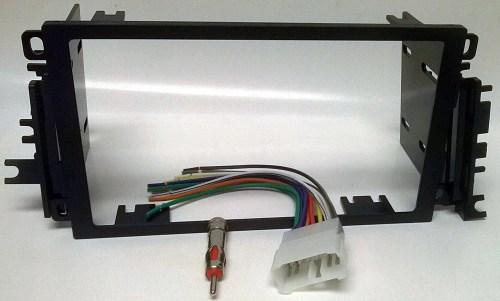 small resolution of radio dash kit wire harness and antenna adapter for installing a new double din radio into a suzuki vitara 1999 2004 grand vitara 1999 2002
