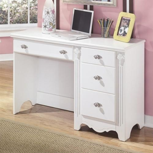 Signature Design by Ashley Furniture Exquisite 4Drawer