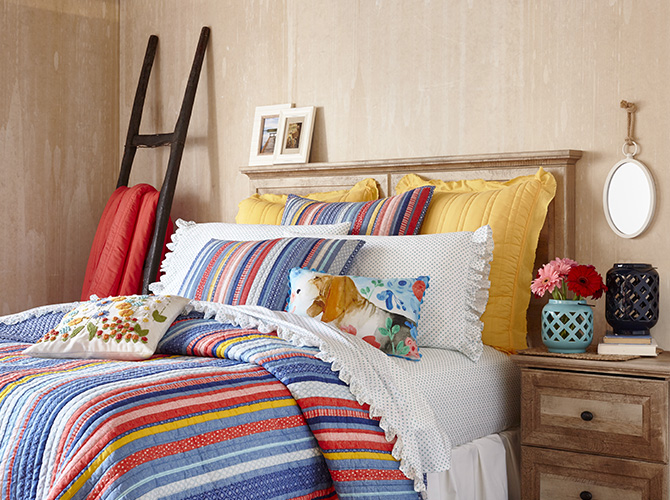Mix, match and make it your own The Pioneer Woman bedding is here   Walmart.com
