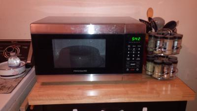 frigidaire 1 1 cu ft countertop microwave oven stainless steel