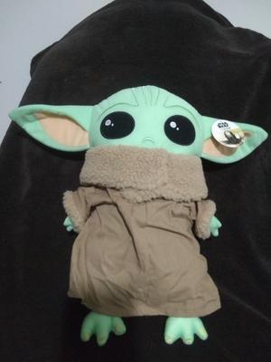 star wars the mandalorian baby yoda pillow buddy