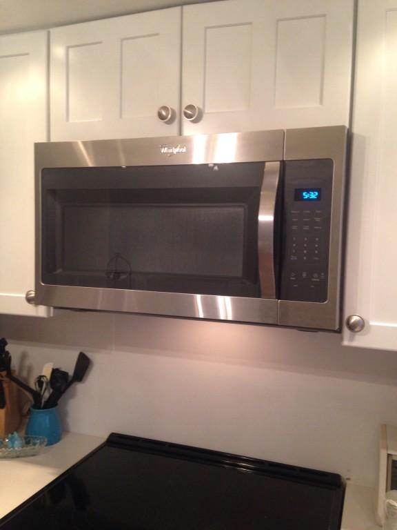 whirlpool wmh31017fw microwave oven over range 1 7 cu ft 1000 w white