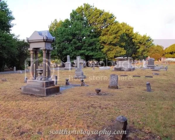 Photo by Scott H Photography (posted with permission of Pecan Grove Cemetery)