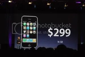 Steve unveils the iPhone 3G