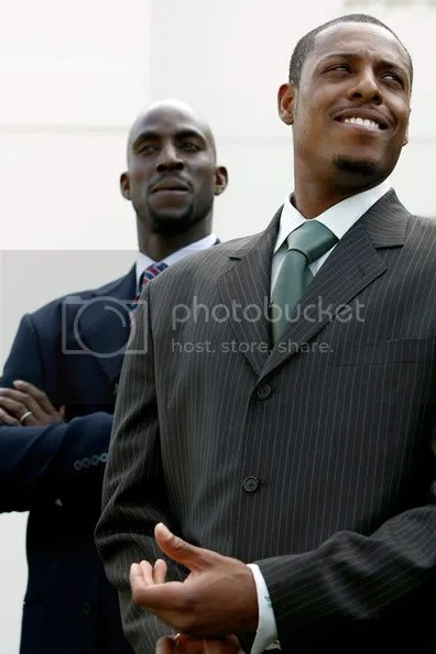 Yeah, I know some of you dont like Paul Pierce but I love him.  Especially in a suit.