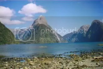 Sample picture for scroll box: Milford Sound, New Zealand