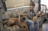 Jared Padalecki and his 2 dogs (4/6)