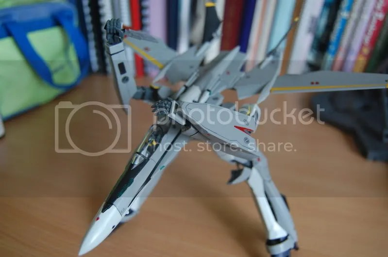 mecha,gunpod,gerwalk,VF-25S,shoji kawamori,knife,shield,messiah,valkyrie,variable fighter,lol,Macross frontier