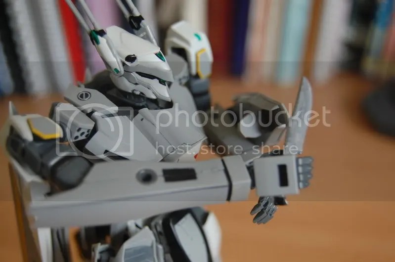 Macross frontier,knife,shield,mecha,shoji kawamori,VF-25S,messiah,valkyrie,variable fighter,battroid