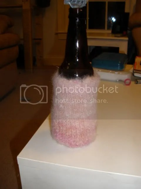 And then I knit a felted adult beverage insulating holder type deal. *read as: Beer Huggie*